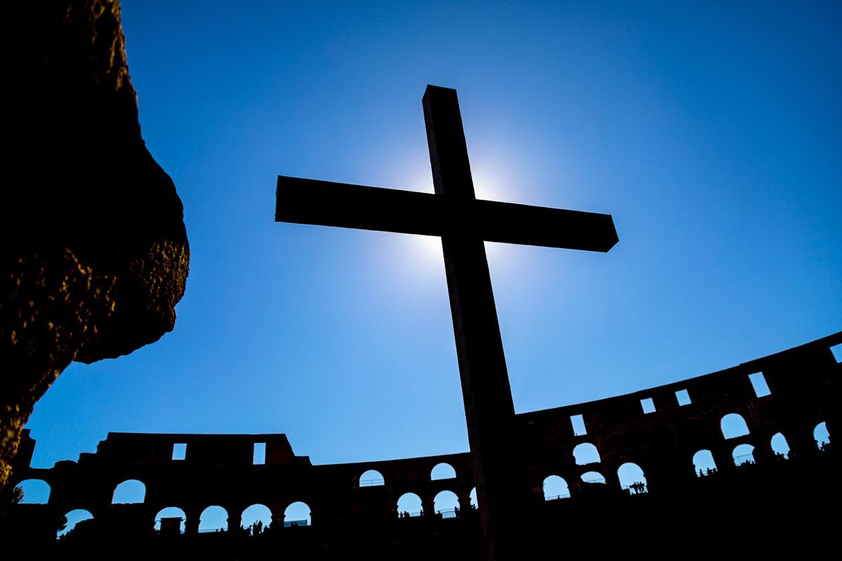 colosseum christian cross