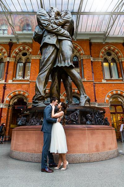 wedding couple portrait st pancras station london